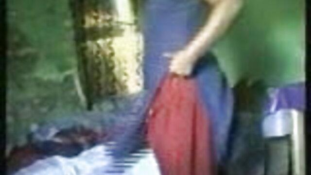 جنگلی بھاڑ روسی سکسی فلم میں جاؤ کے لئے ایک چھوٹا بچہ